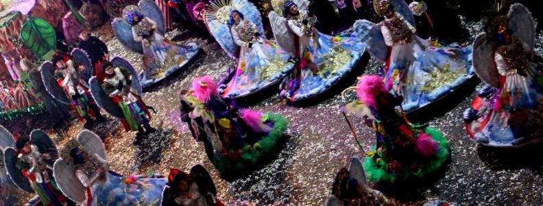 Carnevale estivo di Porto Torres con Mamuthones e carri allegorici