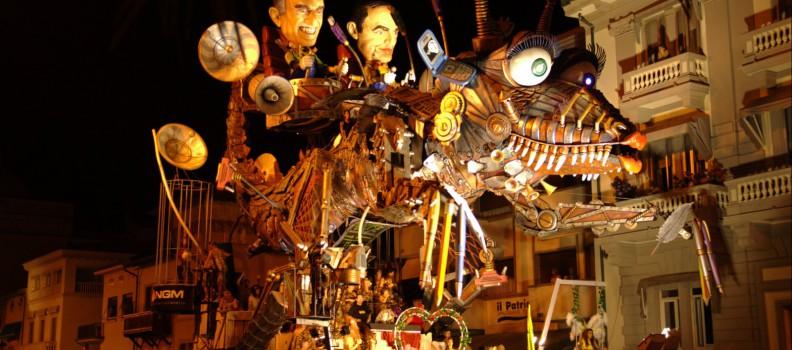 Il Carnevale estivo Viareggio